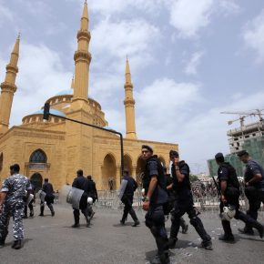 Ливан «раскачивают» руками палестинских беженцев?