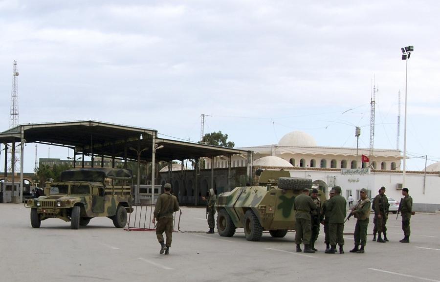 Алжирский и ливийский «запалы» для Туниса