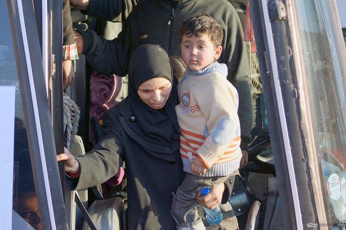 Спасение людей под пулями исламистов. Репортаж из Старого Хомса