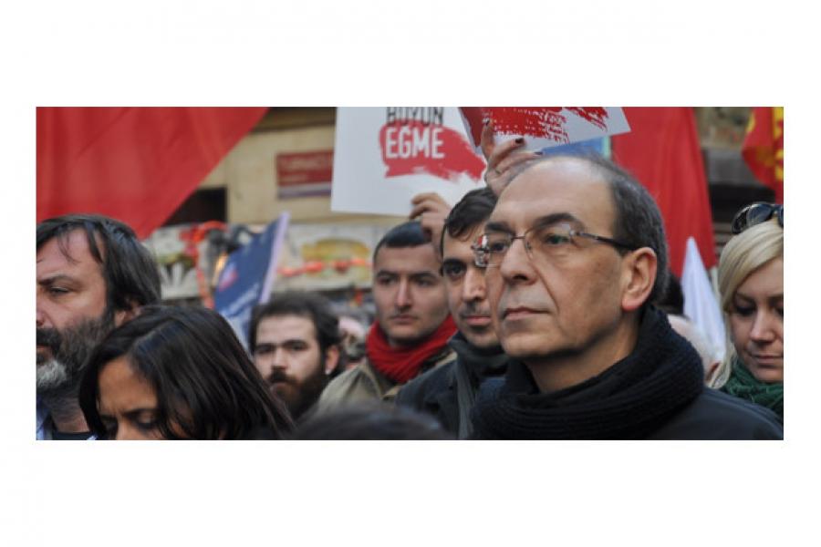 Турции пришло время платить за дружбу с США — лидер турецкой Компартии Гюлер