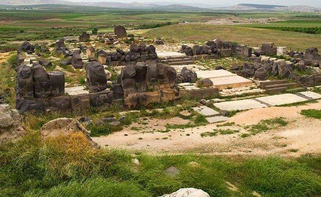 «Прилетели и разбомбили»: как «цивилизованные европейцы» уничтожали храмы Ближнего Востока